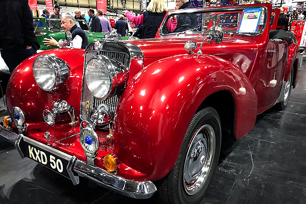 Triumph Roadster 2000 :: © Chris Knott Insurance 2019